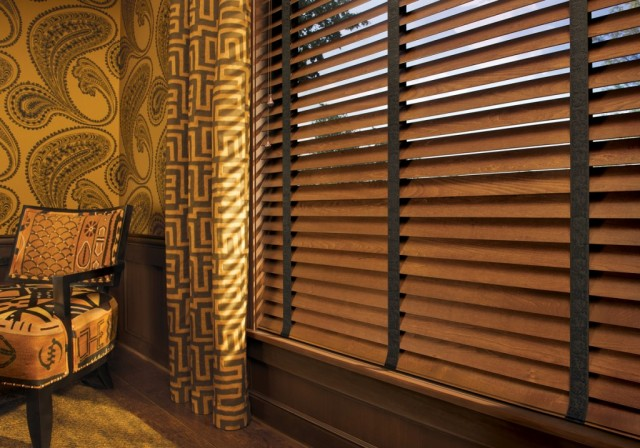 Hunter Douglas Classic Parkland Wood Blind